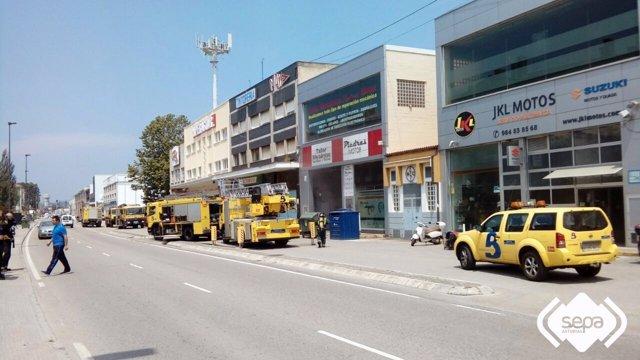 Incendio en una tienda de motos en Avilés