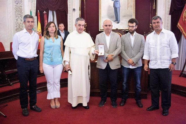 Entrega de la Medalla de Oro a la patrona de Cádiz