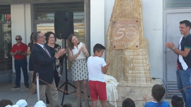 Fernández asiste a los actos del 50 aniversario del CEIP de Albox