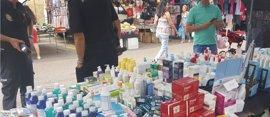 Incautados más de mil productos sanitarios y cosméticos caducados en el mercadillo de Zamora