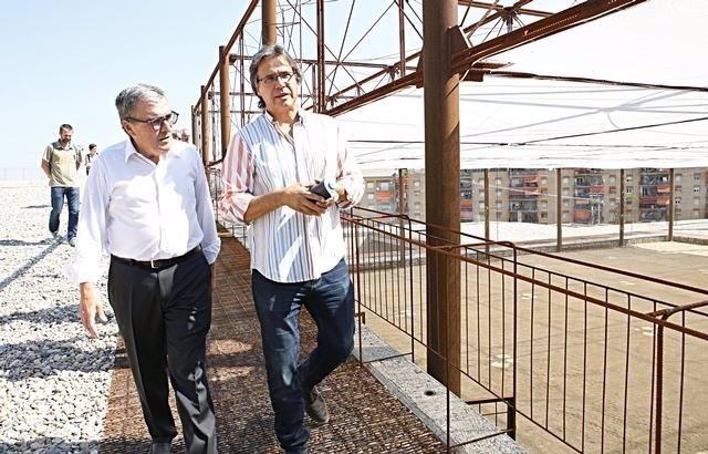 El alcalde de Lleida, Àngel Ros y el arquitecto Toni Gironès, en el museo