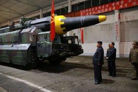 """Tillerson recuerda a China que tiene la """"responsabilidad"""" de evitar una nueva crisis por Corea del Norte"""
