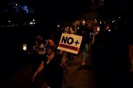 Cientos de personas marchan hasta la sede de la OEA en Caracas en recuerdo de los manifestantes muertos en Venezuela