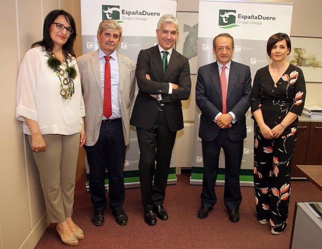 Convenio firmado en León para la Cátedra de la Empresa Familiar