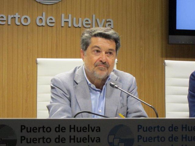 El presidente de la Autoridad Portuaria de Huelva, Javier Barrero.