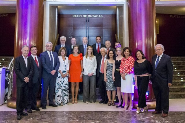 Miembros de la Fundación Merck Salud en la ceremonia