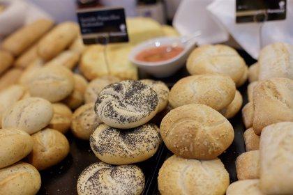 La mayoría de los españoles consume pan a pesar de los diferentes mitos