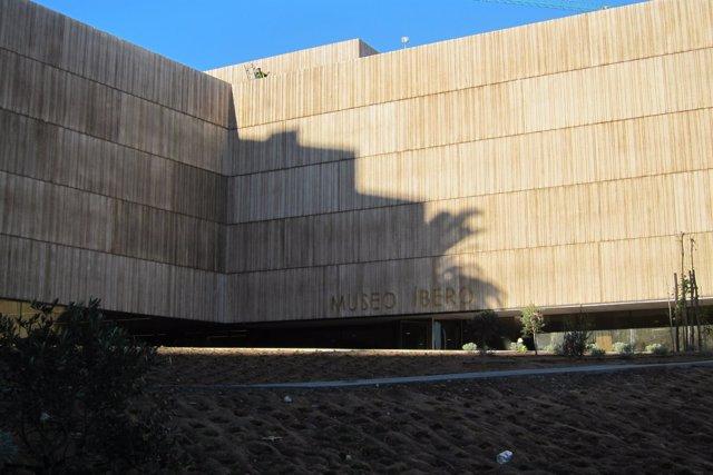 Exterior del Museo Ibero