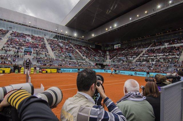 Prensa fotografiando el Mutua Madrid Open 2016
