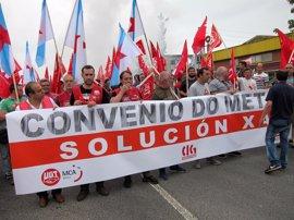 Casi 4.000 trabajadores del metal en huelga se movilizan en A Coruña, Santiago y Ferrol