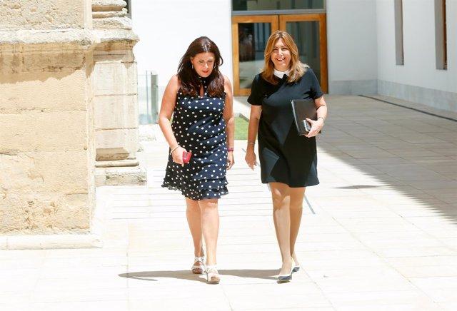 Susana Díaz en el Parlamento junto a la consejera de Educación, Sonia Gaya