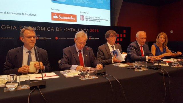Oriol Amat, Miquel Valls, Carles Puigdemont, Luis Herrero y Carme Poveda
