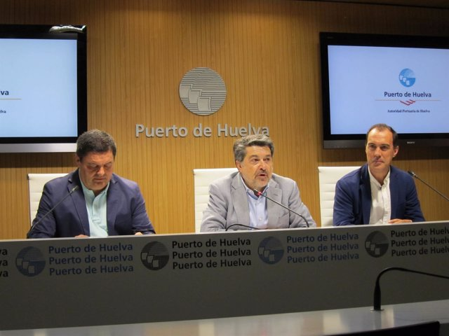 Presentan los cursos de Verano de la UNIA en los que colabora el Puerto.