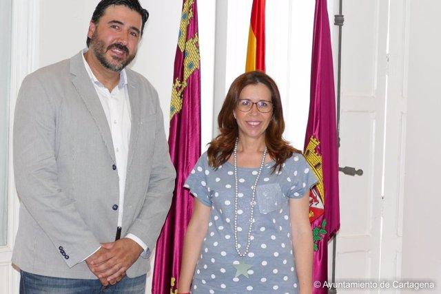 El presidente de la Federación de Tropas y Legiones y la alcaldesa