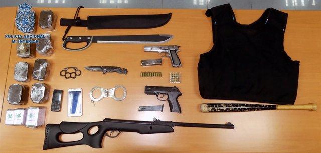 Material intervenido al presunto sicario de Ceuta