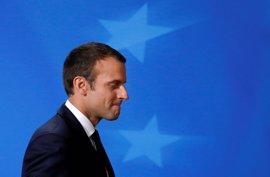 """Macron pide evitar la """"ingenuidad"""" comercial y defiende una UE que proteja a sus ciudadanos"""