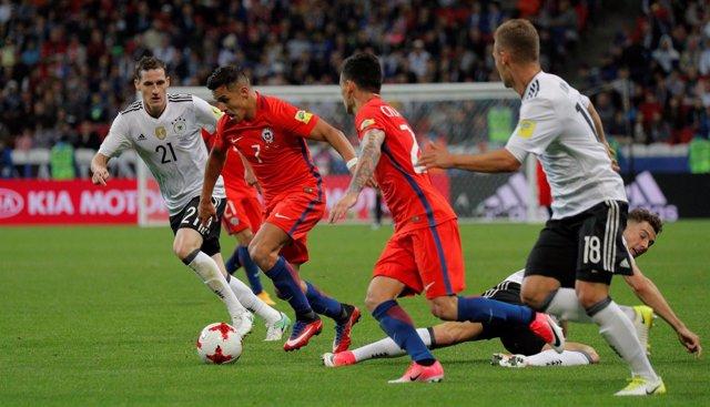 Alemania y Chile igualan fuerzas y ya miran de reojo a semifinales