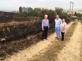 Controlados los tres incendios declarados en Galar, Arazuri y Artajona