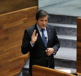 """Javier Fernández buscará un acuerdo con Podemos e IU para dar """"estabilidad"""" a lo que queda de legislatura"""