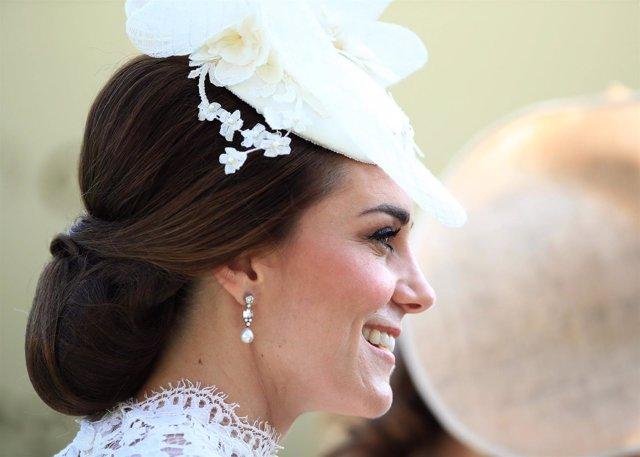 36ed5e376 Inspírate en los últimos tocados que ha lucido Kate Middleton para ser la invitada  de boda perfecta