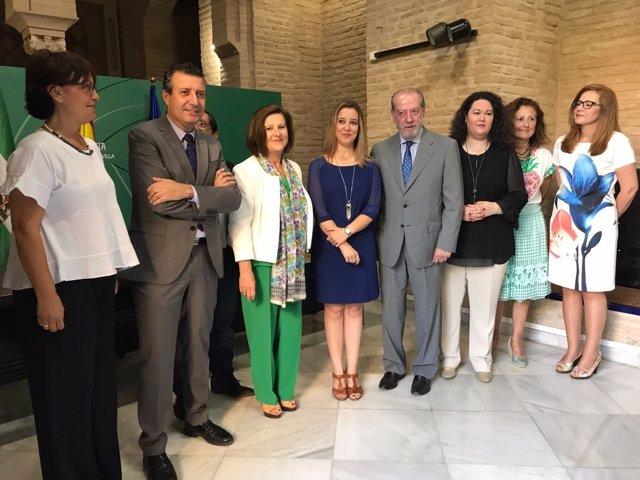 Convenio entre Junta, Diputación y ayuntamiento en dependencia