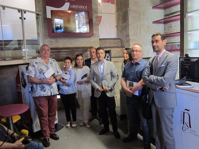 Salamanca.- Integrantes de la Mesa del Español en la nueva oficina