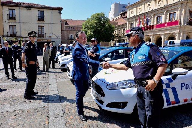 León: Nuevos vehículos de la Policía Local