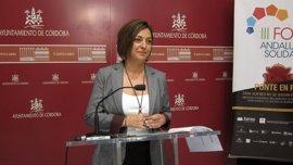 """El vertido de orujo de El Carpio llega a Córdoba y la alcaldesa exige """"responsabilidades"""""""