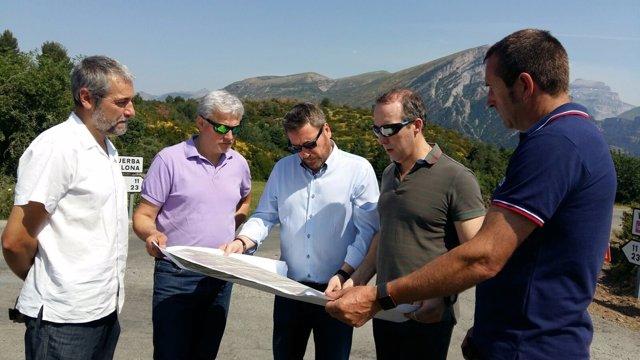 Soro visita las obras para mejorar el acceso al cañón de Añisclo