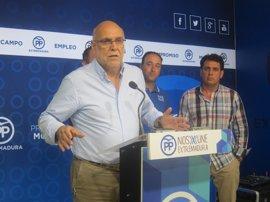 """El PP extremeño cree que Vara """"ha puesto la pelota en el tejado"""" del Gobierno para pagar el regadío de Tierra de Barros"""