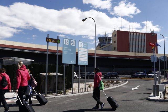 Aeropuerto de BarajaTurismo, turistas