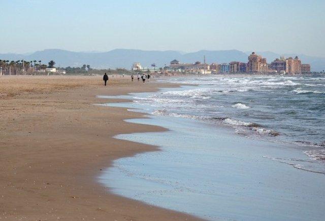Imagen de archivo de la playa de La Patacona