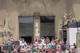 Grupo Demòcrata, PP y Cs critican la gestión del turismo de Colau y ERC pide huir de personalismos