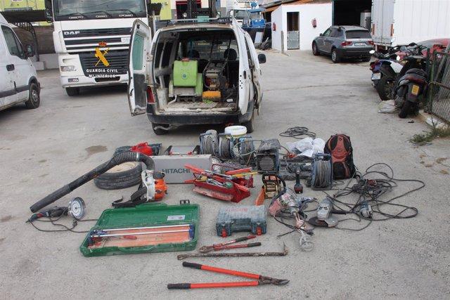 Material incautado en la detención del grupo en Málaga
