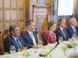 Los Reyes se despiden de Santander con un encuentro con jóvenes emprendedores