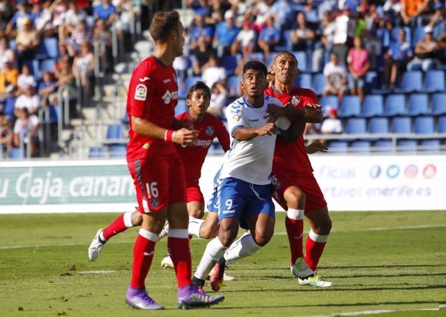 Tenerife y Getafe en un partido de la Liga 1,2,3