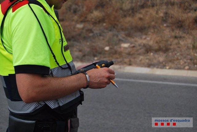 Control de Mossos, tráfico, carretera