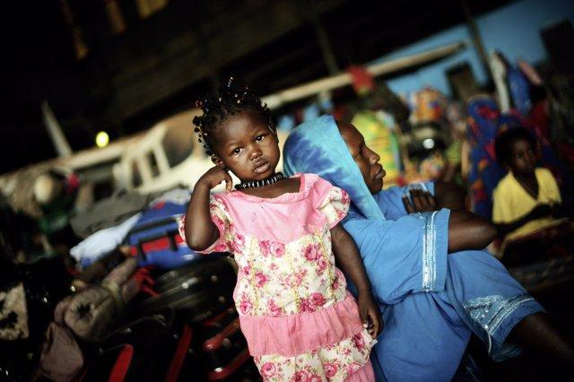 Niña en un campo de desplazados en Bangui