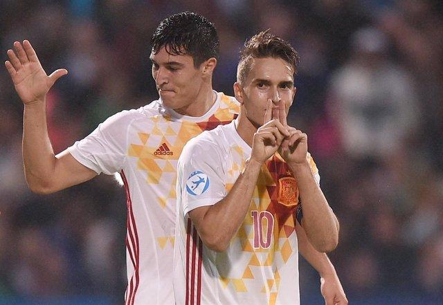 Denis Suárez celebra la victoria ante Serbia con la Sub-21