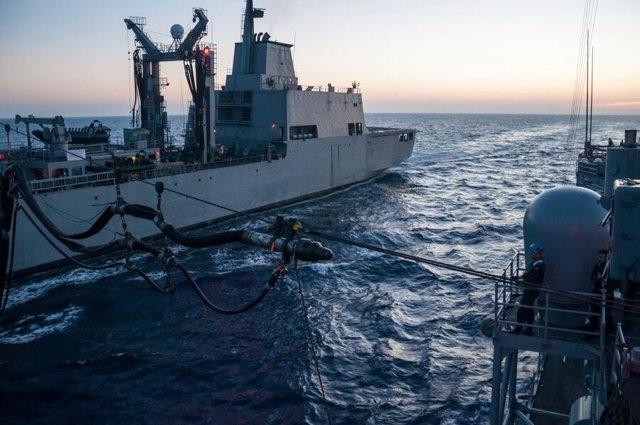Maniobra durante el ejercicio de la Armada 'Frontex 17'