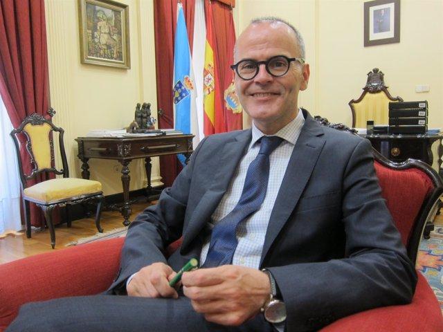 El alcalde de Ourense, Jesús Vázquez (PP), en una entrevista