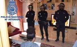 La Policía desarticula una red nigeriana de trata y explotación sexual de mujeres que actuaba en España