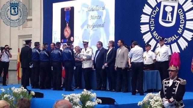 Entrega de medallas a la Policía Municipal