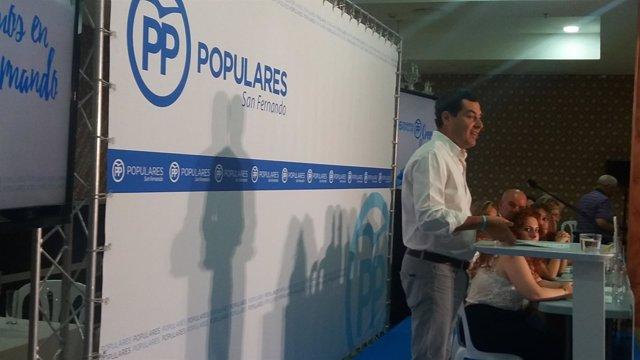 El presidente del PP-A, Juanma Moreno, en San Fernando (Cádiz)