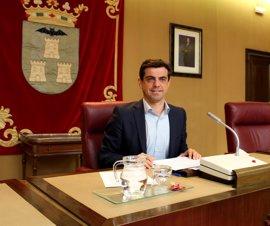 El alcalde de Albacete deja la Alcaldía por motivos de salud y su sucesor podría ser Manuel Serrano