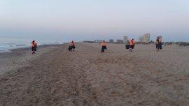 San Juan deja más de 35 toneladas de residuos en las playas de València, el doble que el año pasado