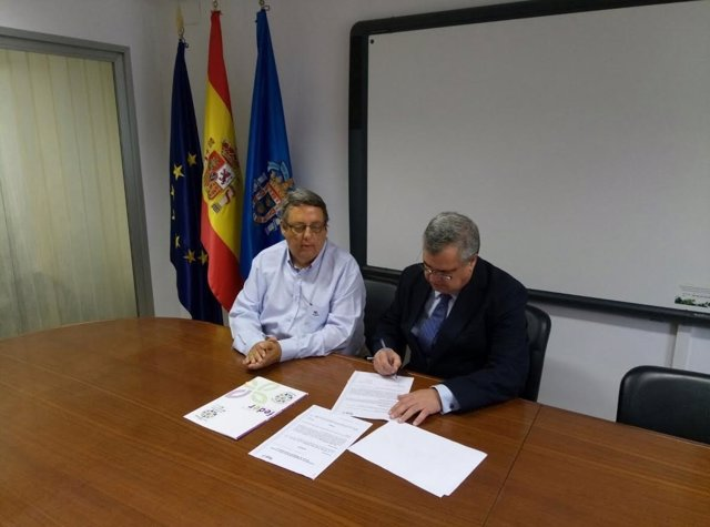 Convenio de colaboración entre Feder y farmacéuticos de Melilla