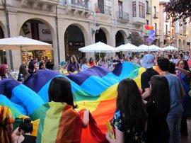 """Marea Arcoíris sale a la calle para reivindicar los derechos y la igualdad """"efectiva y real"""" del colectivo LGTB+"""