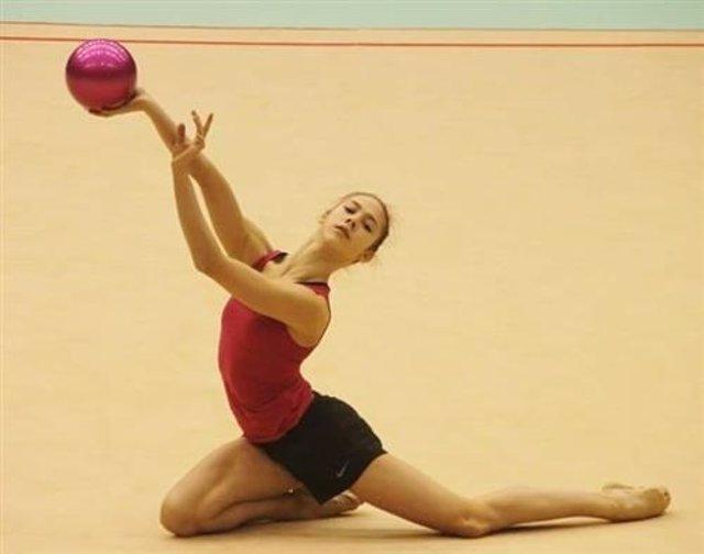 Polina Berezina, campeona de España de gimnasia rítmica