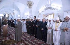 Al Assad abandona Damasco para celebrar el final del Ramadán en Hama